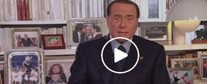 Berlusconi è tornato con un appello in stile '94: scrivania, Milan e figli (video)