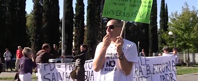 Etruria, protesta sotto casa della Boschi. E la Consob chiede 120mila euro al papà