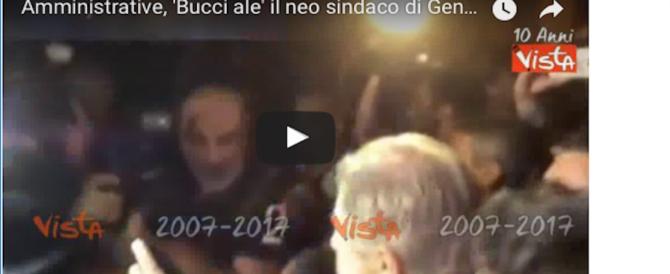 """""""Bucci alé"""", il neo sindaco di Genova acclamato al suo arrivo in Comune (video)"""