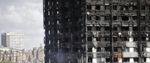 Grenfell Tower, a Londra altri 600 palazzi a rischio incendio
