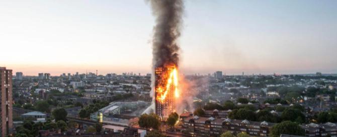 Gran Bretagna, 27 grattacieli a rischio incendio come la Grenfell Tower