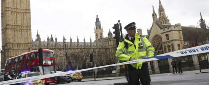 """*** Flash – Accoltellata da 3 donne a Londra: """"Inneggiavano ad Allah"""""""