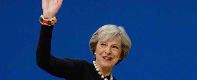 """Imperturbabile May: """"Ora formerò il governo. E andremo fuori dalla Ue"""""""