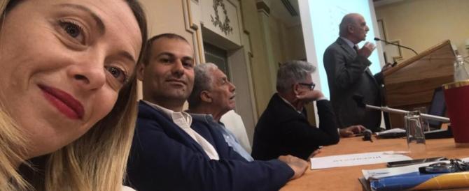 """Meloni presenta le misure di FdI per la famiglia: """"Puntiamo al reddito d'infanzia"""" (VIDEO)"""