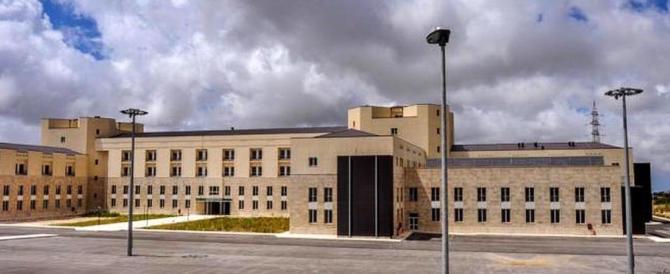 «Pazienti in pericolo»: sequestrati interi reparti dell'ospedale di Ragusa