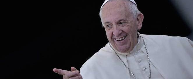 Il Papa a sorpresa: «Volete essere concreti? Pensate in romanesco»