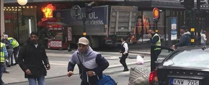 Svezia, allerta degli 007: gli estremisti nel Paese sono oramai migliaia