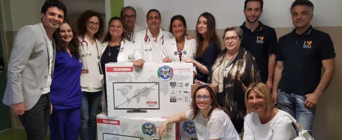 Beneficenza per i bambini del Santobono: consegnati televisori e latte