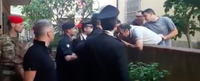 """Baciamano e ossequi a """"U capra"""", il boss mafioso arrestato a San Luca (video)"""