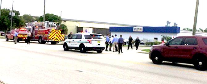 Sparatoria in Florida un anno dopo la strage al locale gay: cinque morti