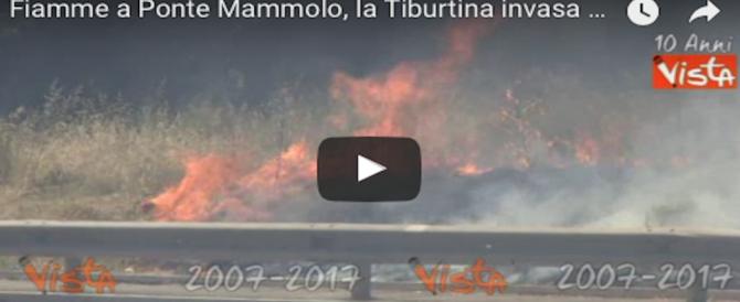 Fiamme a Ponte Mammolo: la Tiburtina avvolta in una coltre di fumo (VIDEO)