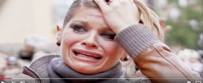 Paura per Alessandra Amoroso: va completamente a fuoco la casa dei genitori (VIDEO)