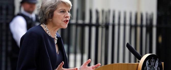 Theresa May: «Putin è una minaccia mondiale, organizziamo la resistenza»
