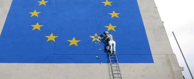 Banksy la spara grossa: regalo una stampa a chi vota contro Theresa May