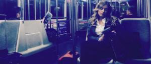 In metro, tra le suore, stanca: la Boschi lancia l'operazione simpatia (foto)