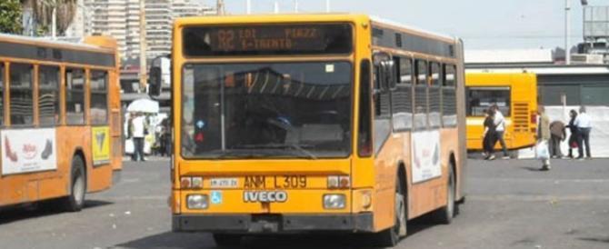 Napoli, troppe aggressioni sui bus: gli autisti a lezione di arti marziali
