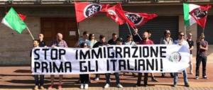 """Immigrati, la """"rivincita"""" di CasaPound: «Grillo e Raggi ci copiano il programma»"""