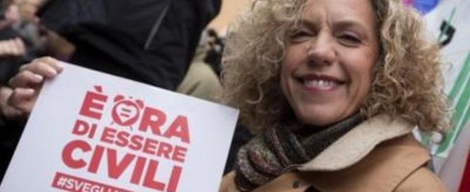 La Cirinnà non si accontenta mai: «Ora voglio adozioni gay e utero in affitto»