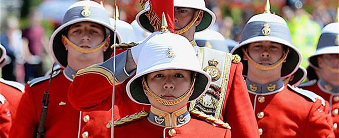Per la prima volta una donna a capo della famosa Guardia reale inglese