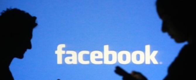 Facebook, spiati anche gli italiani. La Commissione: «Inaccettabile»