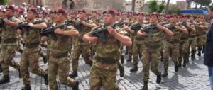 Oltraggio alla Folgore: Mattarella e Boldrini non applaudono. Rabbia sul web (video)