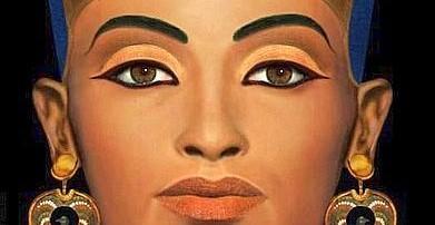 Moda choc, sfila il gender: ecco il modello che pubblicizza rossetti e mascara