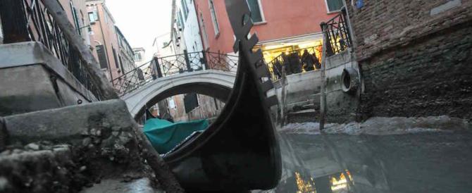 La prima gondoliera donna di Venezia: «Mi chiamo Alex e sono transgender»