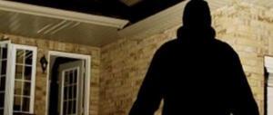 Ladri in casa? Entrano quasi sempre dalla porta: ecco come difendersi (VIDEO)