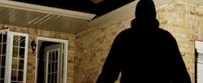 Incinta svaligia una casa col complice 15enne: fermati 2 rapinatori croati