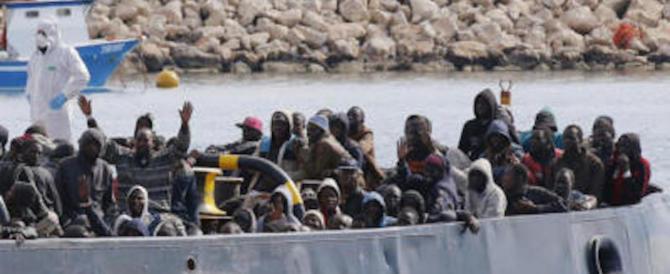 """La Corte Ue inguaia l'Italia: """"Migranti devono restare nel Paese dove sono arrivati"""""""