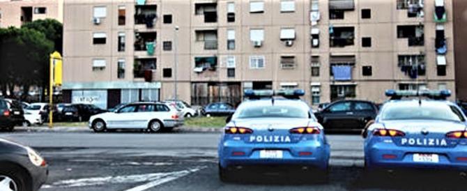 Controlli a San Basilio a Roma: sassi contro la polizia, straniero arrestato