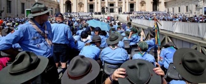 Gorizia, capo scout gay si sposa. Il parroco s'infuria: «Allora dimettiti»
