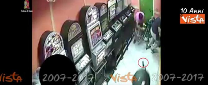 Arrestati i killer della strage nella sala giochi: così uccisero a sangue freddo (video)