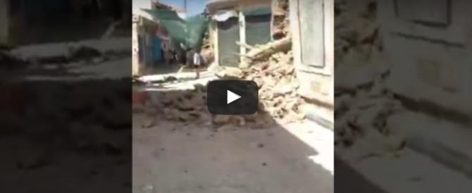 Terremoto di magnitudo 6.4 nell'Egeo. Danni a Lesbo, si temono vittime (video)