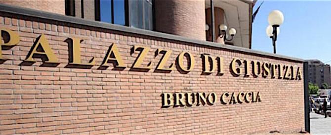 Buste esplosive a due pm del tribunale di Torino. Opera degli antagonisti?