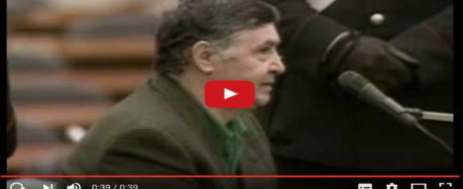 """""""Cosa Nostra? Non la conosco"""". Totò Riina in tv indigna gli italiani (video)"""