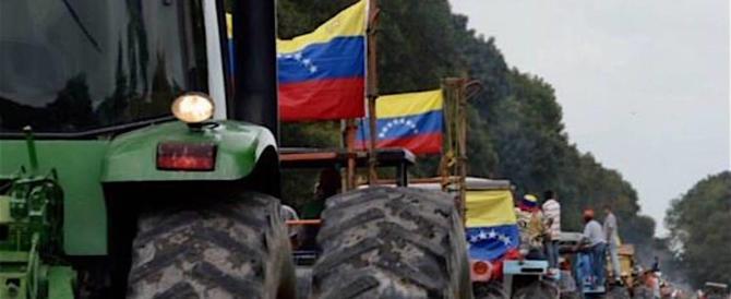 Caracas, le guardie rosse di Maduro sparano sulla folla: morta una donna