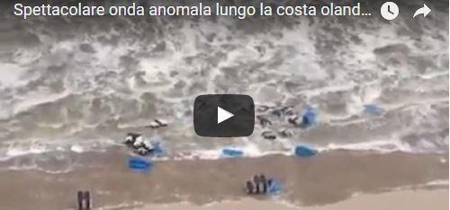 Spettacolare onda anomala in Olanda: ecco le immagini dello tsunami (VIDEO)
