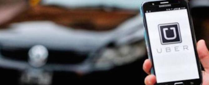Uber nel caos, licenzia 20 dipendenti: molestie sessuali e bullismo