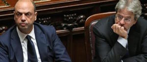 Gentiloni (e Alfano) perdono altri pezzi: si dimette il sottosegretario Cassano