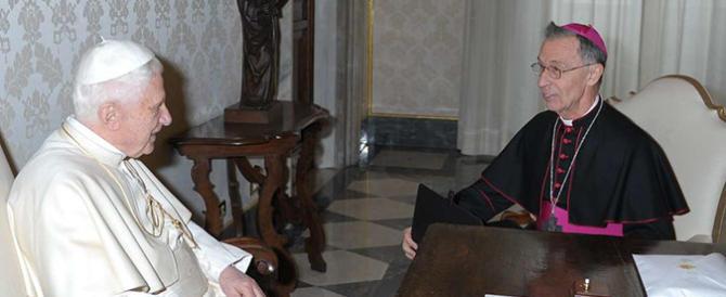 Vaticano, lo spoil system di Bergoglio: un gesuita a capo dell'ex-Santo Uffizio