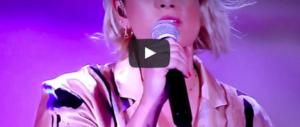 """Emma """"canta"""" Pino Daniele, il web la massacra: «Hai rovinato la canzone» (video)"""