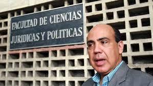 Venezuela, Maduro fuori controllo: arresta un magistrato della Corte Suprema