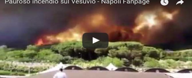 Dal Vesuvio a Catania, l'Italia brucia: non si placa la furia degli incendi dolosi (3 VIDEO)