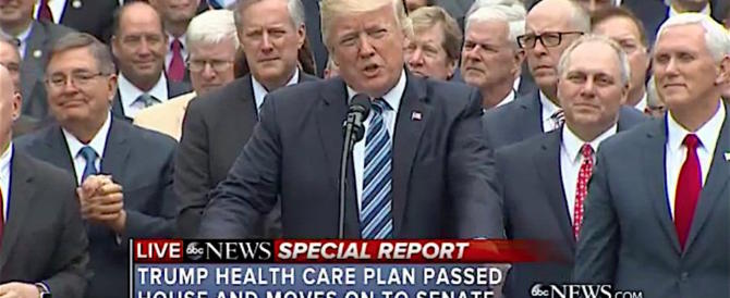 "Trump si appella ai repubblicani recalcitranti: ""Affondate l'Obamacare"""