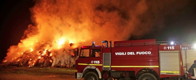 Roghi in campi nomadi e baraccopoli: Roma brucia come ai tempi di Nerone