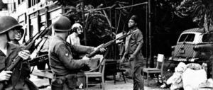 """Detroit, 50 anni fa la """"rivolta della XII strada"""": 43 morti, 7200 arresti (video)"""