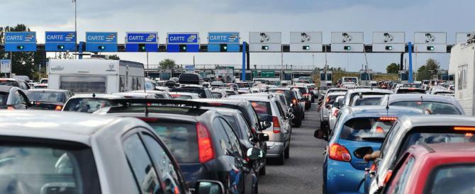 Iniziato il Grande Esodo: intenso traffico in uscita dalle città
