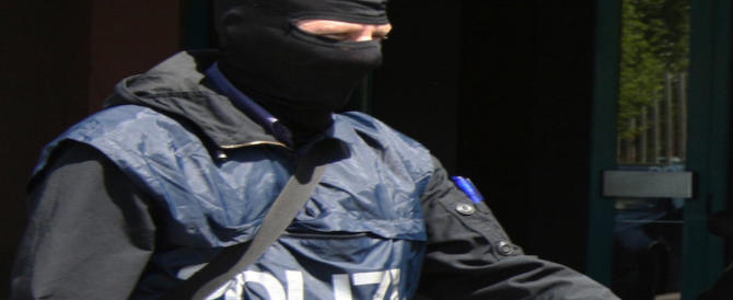 Terrorismo, ecco chi accogliamo: fermato a Bari un pericoloso foreign fighter ceceno (VIDEO)