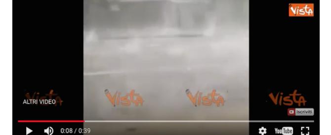Sembrano bombe, invece è grandine: la tempesta che ha colpito Istanbul (video)